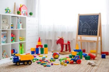 habitación de niños con juguetes