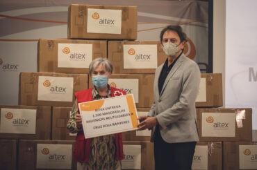 AITEX entrega mascarillas a Cruz Roja y Cáritas